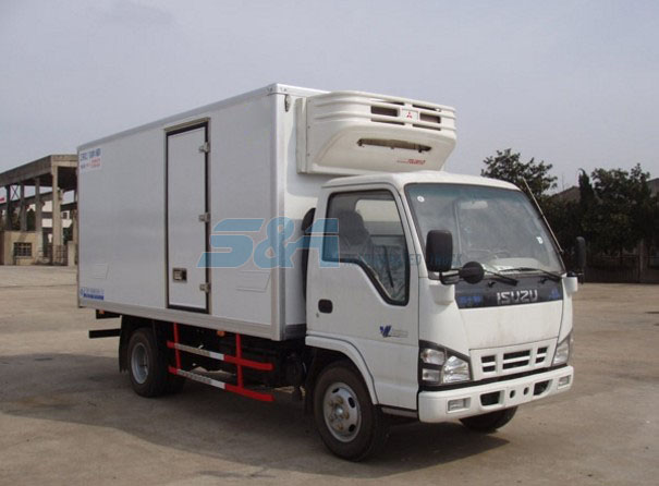 isuzu 120 horsepower side door cold chain transport truck