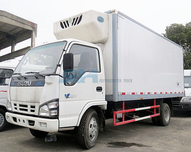 isuzu small cold chain transport truck