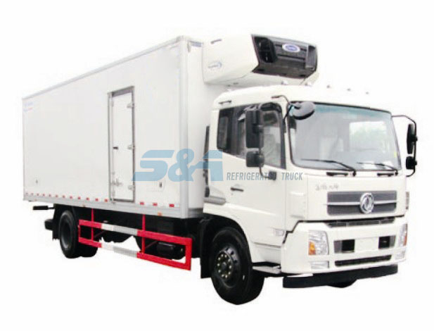 DongFeng TJ 40.4 cubic meters refrigerated truck