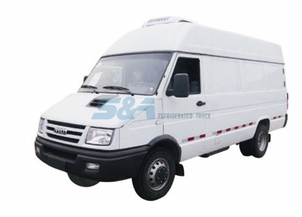 8.2 cubic meters IVECO small refrigerated truck