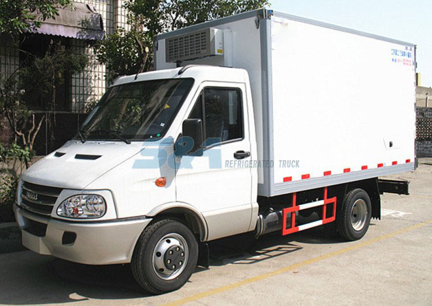 11.9 cubic meters IVECO small refrigerated truck