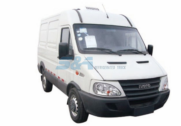 4.8 cubic meters IVECO small refrigerated truck