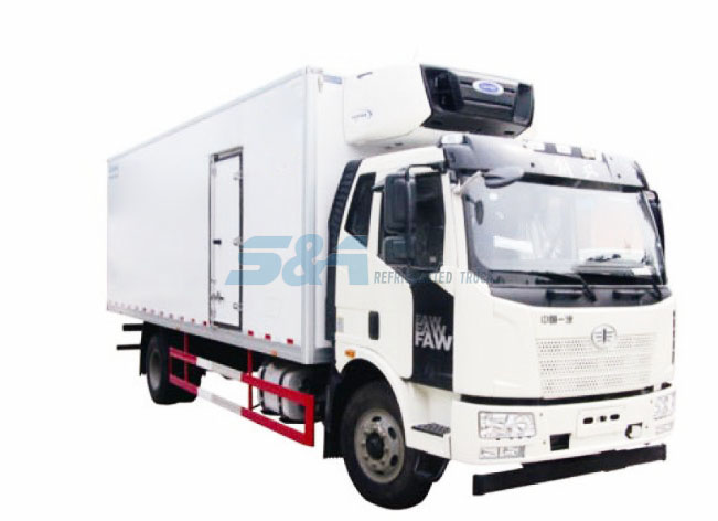 40.3 cubic meters 189HP Faw Jiefang refrigerated truck