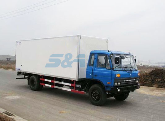 33.7 cubic insulation transport truck