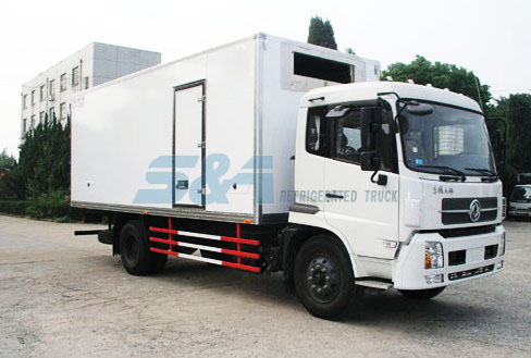 DongFeng 6.4 M insulation truck