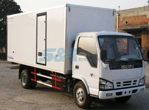 ISUZU 15.8m3 insulated transport truck